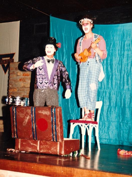 das >Hinz und Kunz Theater< mit Mathes Dues im jahre 1985